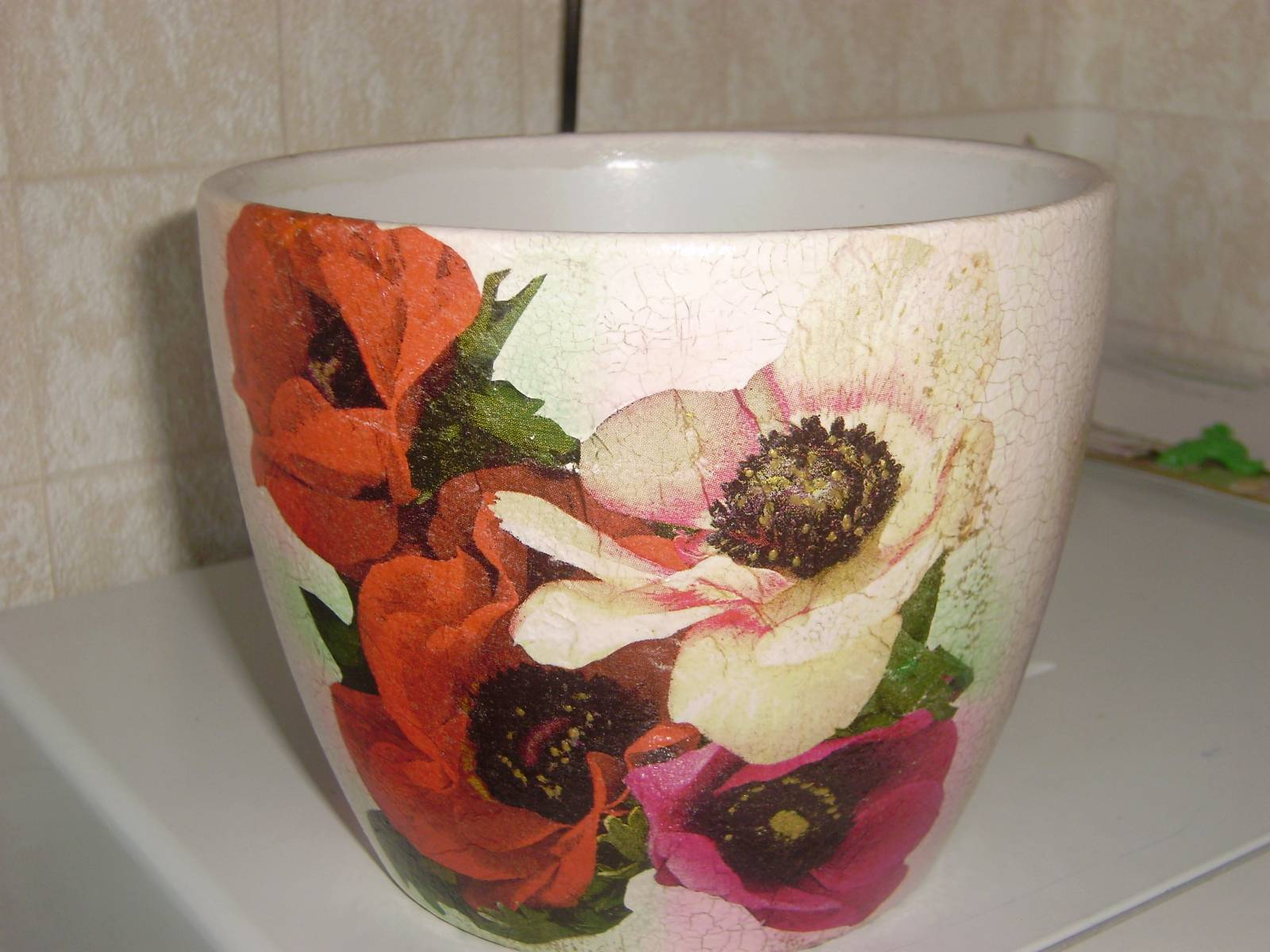 Декупаж цветочного горшка пошагово с из салфеток